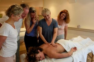 Holistisch Masseur